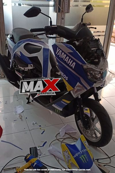 decal nmax biru putih maxgraphica cutting sticker sidoarjo